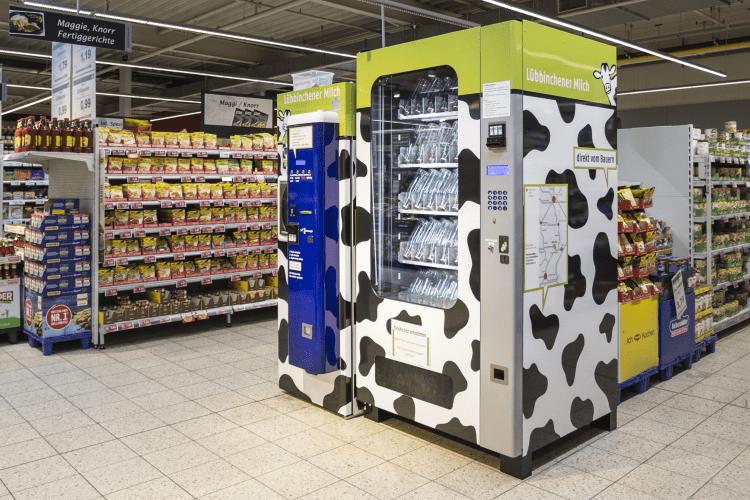 milchautomat_im_supermarkt-min