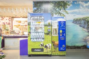 Regionale_Milch_im_Supermarkt_Milch_Concept